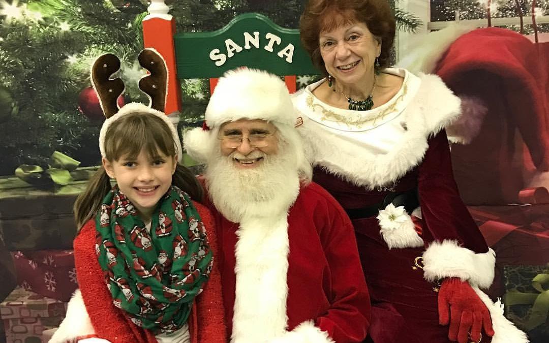 FREE Santa Photos for DAC Students!